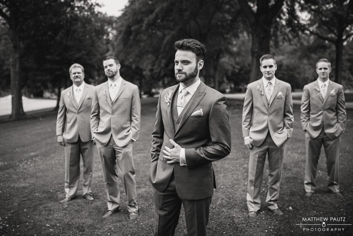 Groomsmen photos before wedding